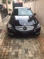 2013 Merc Benz C300. full option!