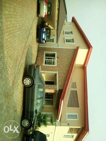 6 bedroom detached duplex with 2 bedroom and a room & parlour Ibadan North - image 7