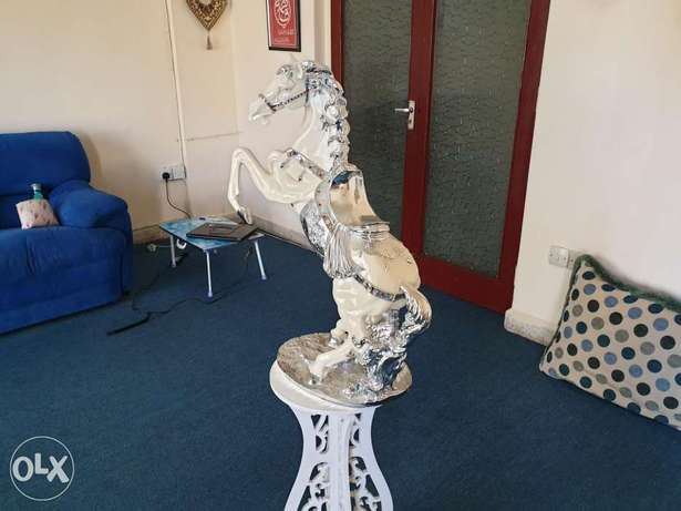 Horse showpiece with stand