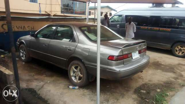 Toyoty camry very clean Buy and drive 1998 Isolo - image 3