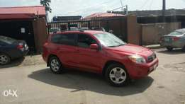 Clean Toyota Rav4 for sell 2005 model