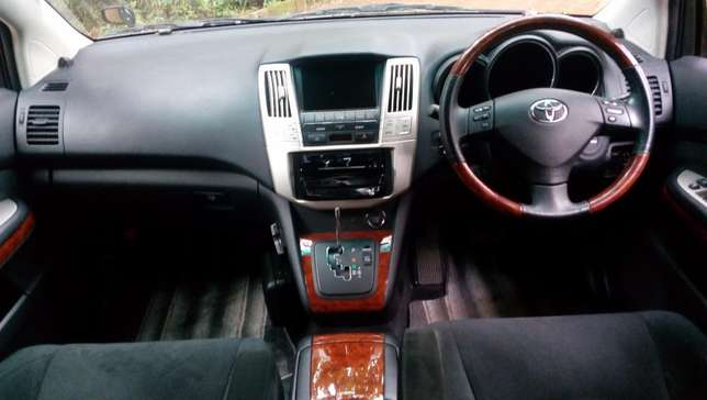 Toyota Harrier 2012 black fully loaded Westlands - image 3