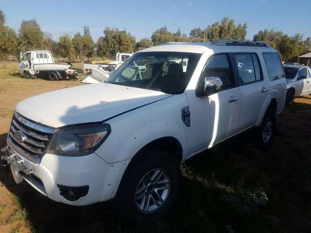 2013 Ford Everest Stripping for Spares Bloemfontein - image 2
