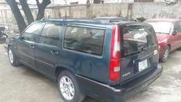 Volvo v70 hatch back