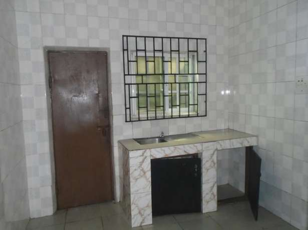A well finished 2 bedroom bungalow at Eliowhani farm road by Deliosa h Port-Harcourt - image 6