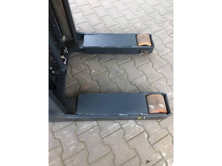 Jungheinrich EKS 110L 100 E Pallettruck - image 14