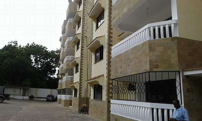 PRISTINE 3 bedroom APARTMENT with Generator back up power and pool Nyali - image 1