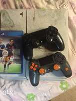 Play Station 4 (Brand New)