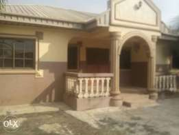 To let 5bedrms bungalow at yawiri estat