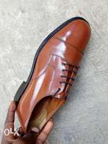 Light brown leather Oxford men shoe