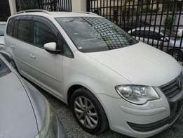 Volkswagen Touran KCM number 2010 model loaded with alloy rims, g