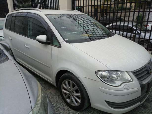 Volkswagen Touran KCM number 2010 model loaded with alloy rims, g Mombasa Island - image 1
