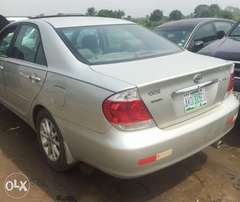 Neatly used 2004/05 Toyota Camry with open roof