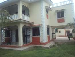 A 3 bedroom magnificent house in a gated community in nyali for rent