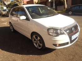 vw Polo 1.6 2008 model White in color 74000km Mags R80000