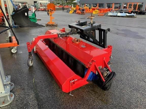 Feiekost Lagerslitt Truck - Traktor Montert - 2017