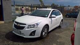 Chevrolet cruze hatch 1.8 ls, 6Speed gear, Cloth Upholstery, Hatch