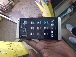 Htc m7 32gb 3weeks old quick sale