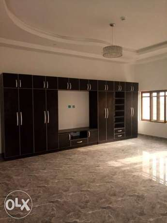 Standard brand new four bedrooms serviced duplex at diploma zone Abuja Abuja - image 8