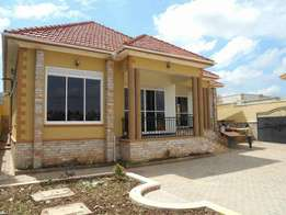 Russian style 4 bedroom house for sale in kiira at 350m