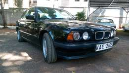 BMW 520i Classic with sunroof - Pristine - amazingly well kept