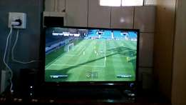PC and Hisense TV