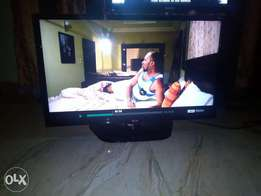 Clean LG LED HD TV(32 inch) with DVD & STABILIZER