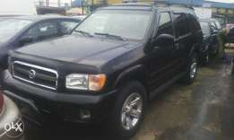 A very clean Nissan Pathfinder 03 model