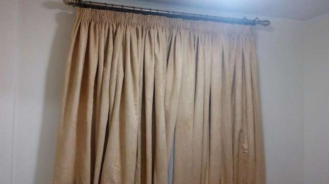 Quality curtains and blinds Lavington - image 6