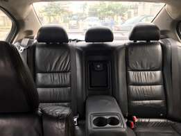 freshly baked Honda 2010, leather interior
