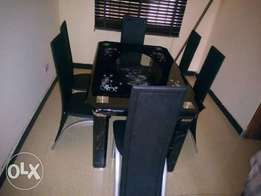 Quality Dinning table with chairs