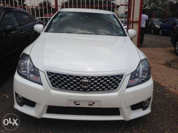 Toyota crown pay 60% n the rest In 8months at a slight price change Kilimani - image 1
