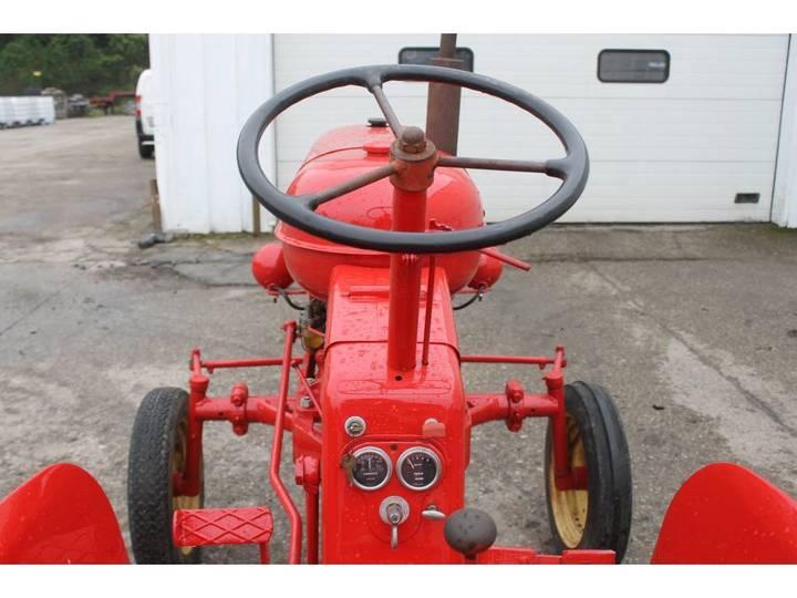 Massey Harris  Pony Benzine Tractor - 1955 - image 15