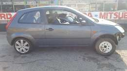 Ford Fiesta 1.4Lt accident damaged vehicle for SALE!!