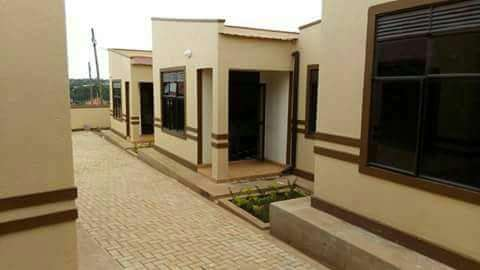 Complete sitting room and bedroom for rent in Najera at 400k Kampala - image 3