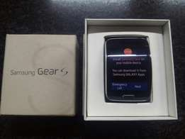 Samsung Gear S with box and charger Immaculate condition
