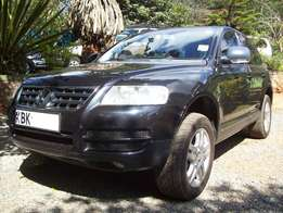 2004 Volkswagen Touareg V6, auto 3.2L petrol. Clean condition