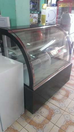 Cake chiller/cake chiller display,3level,1.2m lenght,curved glass,new City Centre - image 6