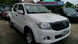 Strong Toyota Hilux 4x4 double cabin for quick sale