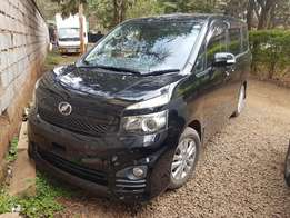 for sale toyota voxy 2010 model with DOUBLE SUNROOF