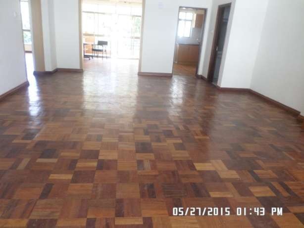 A 3 bed apartment all en-suite with SQ for rent close to the Junction Lavington - image 6