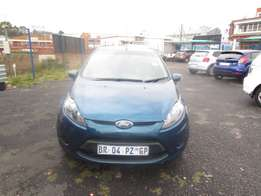 2012 FORD FIESTA,4 doors, factory a/c,cd player,central lockin