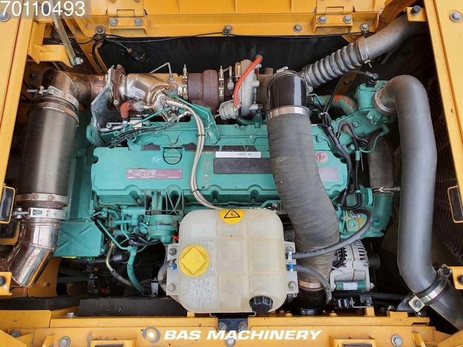 Volvo EC250 D L Form first owner - 2012 - image 13