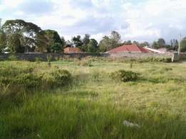 1/4 Acre vacant plot for sale in Mwariki B in a gated community