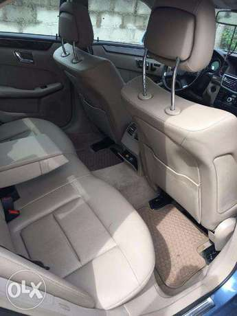 Mercedes-benz very clean and nothing to be fix Lekki - image 6