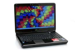 "Fujitsu LIFEBOOK AH550 - 15.6"" - Core i5-2.60ghz - Windows 7 - 4 GB RA"