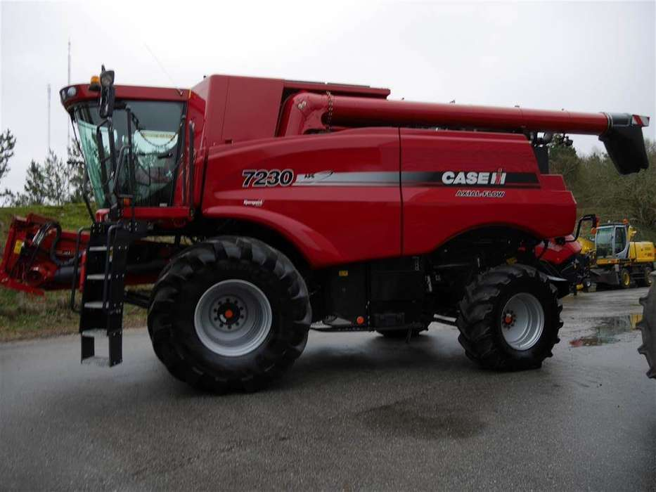 Case IH Axial Flow 7230 - 2013