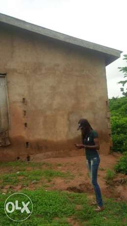 A bungalow for sale at ogun state Ewekoro - image 2