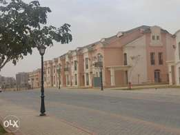 Town house middle in layan