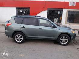 Rearly used 2007 toyota rav4.leather interior.ac chilling.First body.